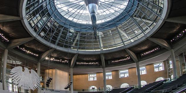 Bundestag_Fotolia_68573691_S
