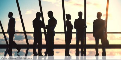Businesspeople silhouettes_fotolia_107015414