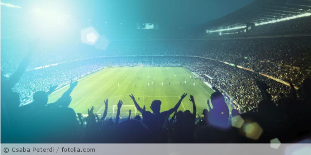 Fußballstadion_fotolia_70603462