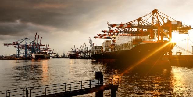 Hafen_Hamburg_Fotolia_86988168_Subscription_Monthly_M