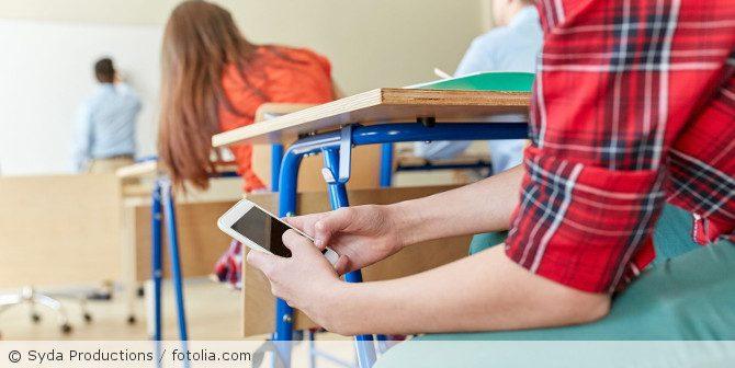 Dürfen Lehrer die Smartphones Ihrer Schüler einkassieren?