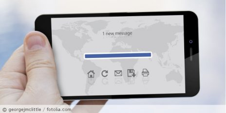 Mail_Handy_fotolia_82098281