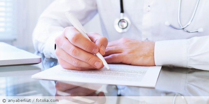Medizinisches_Gutachten_Arztbericht_fotolia_94616639