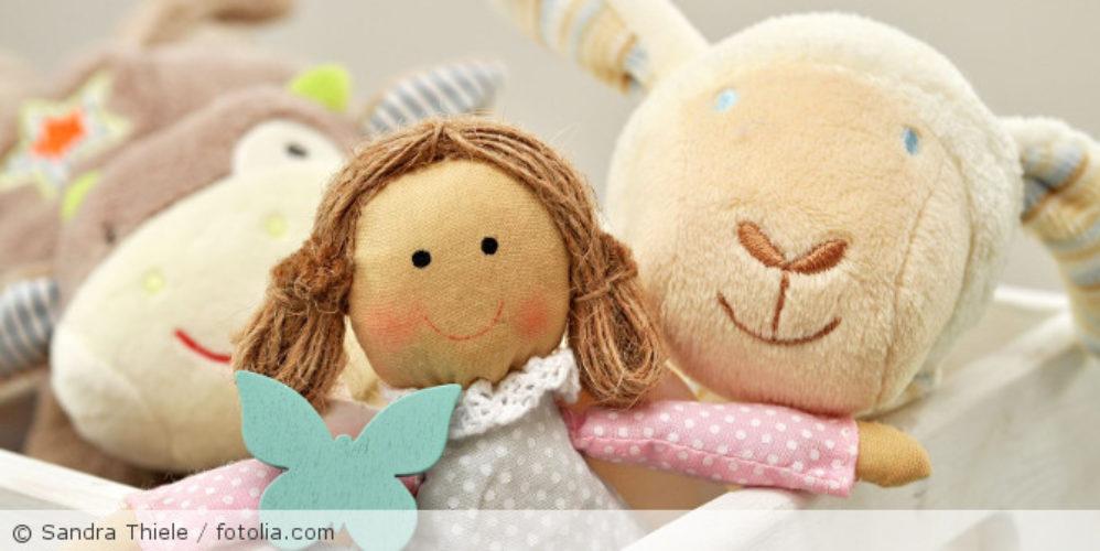 Puppe_Plueschtiere_fotolia_118176551