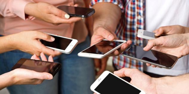 Smartphones_Fotolia_94320118_S