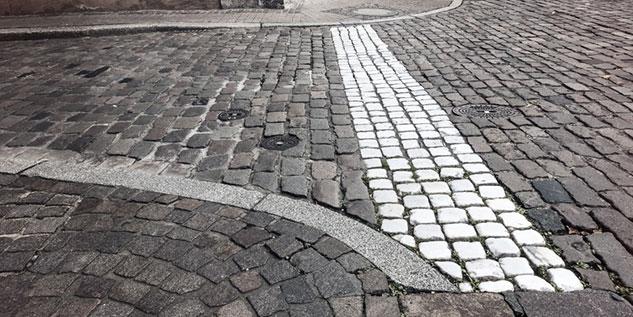 Straße_Fotolia_72113192_S