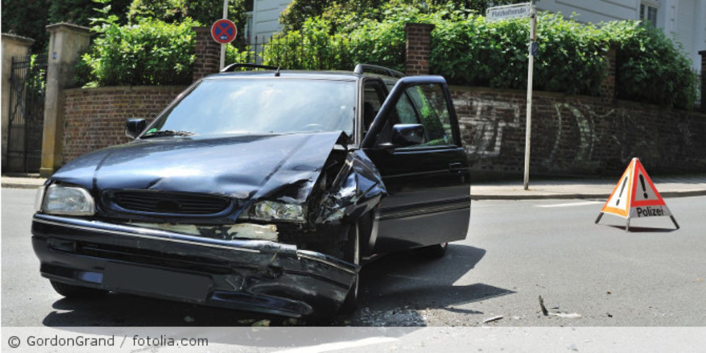 Verkehrsunfall_fotolia_23753867