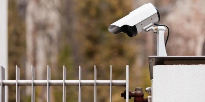 Persönlichkeitsrechtsverletzung durch unzulässige Videoüberwachung des Nachbargrundstücks
