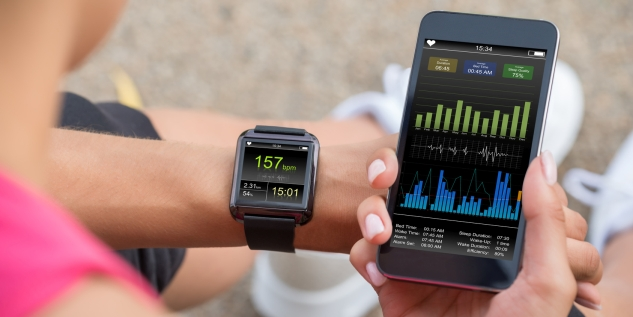 wearables_smartphone_fotolia_119105017_subscription_monthly_m