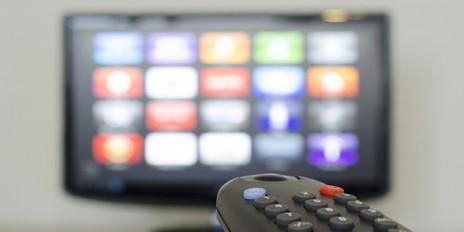 Ein Smart-TV unter dem Weihnachtsbaum – was ist mit dem Datenschutz?