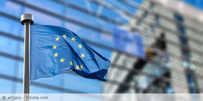 EU-Flagge_EU-Parlament_fotolia_93494284