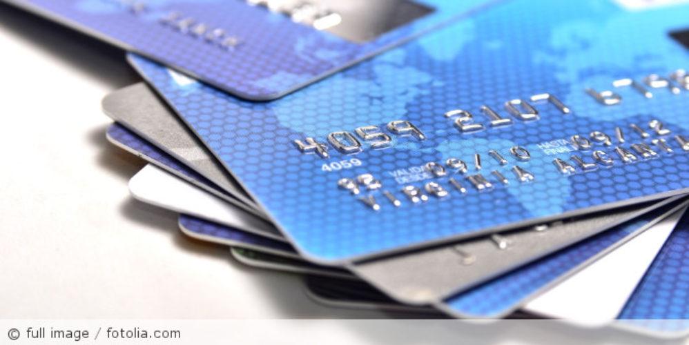 Bankkarten_fotolia_75688017