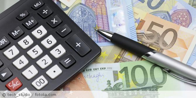 Geld_Taschenrechner_fotolia_124924253