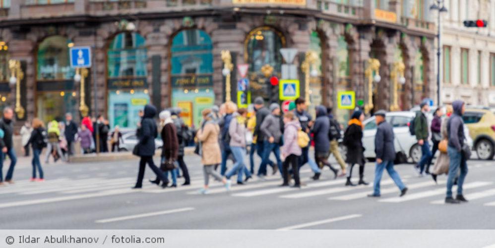 Menschen_Straße_Stadt_fotolia_235750400