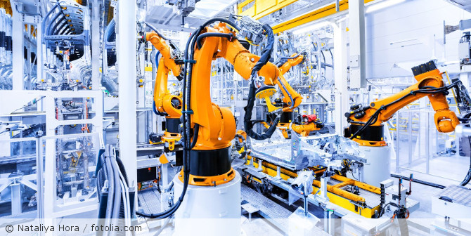Roboter_Produktion_Autoherstellung_fotolia_195532148