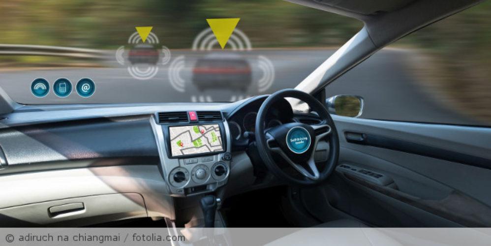 ConnectedCar_Self_driving_fotolia_189834011