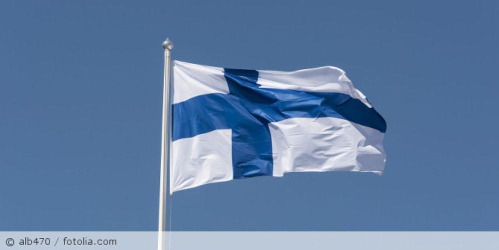 Finnland_Flagge_fotolia_267834189