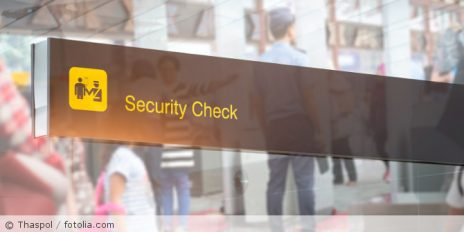 Security_Check_Flughafen_fotolia_188658159