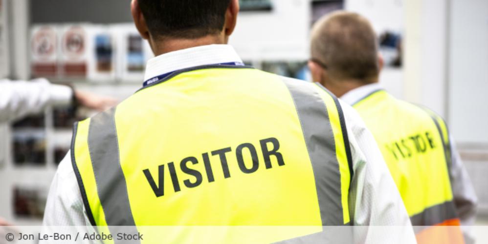 Besucher_Kontrolle_Arbeit_Auftragsverarbeitung_AdobeStock_242026847