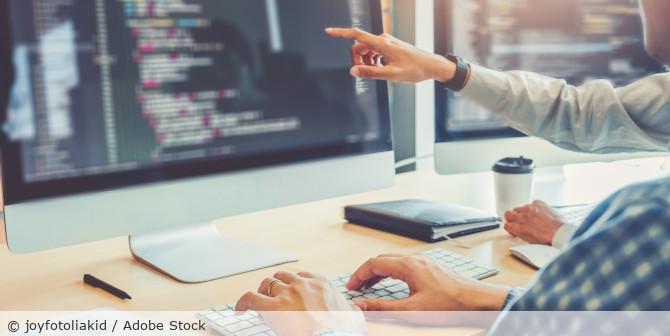 Coding_Programmieren_AdobeStock_251268362