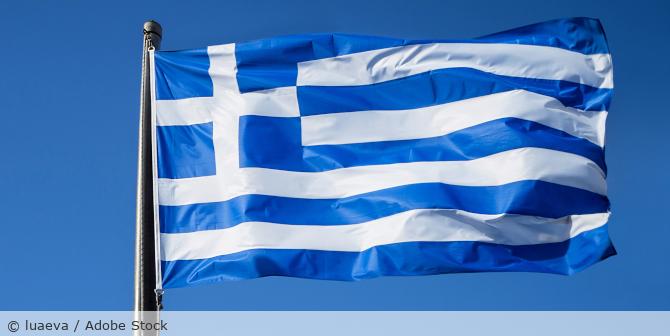 Griechenland_Flagge_AdobeStock_247392284