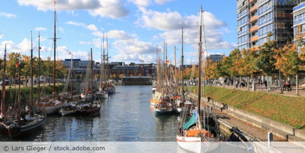 Hafen_Kiel_AdobeStock_218975712