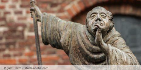 Moench_Kirche_Stille_Schweigen_AdobeStock_236486627