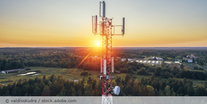 Funkzelle_Mast_Telekommunikation_Handy_Ortung_AdobeStock_294948823