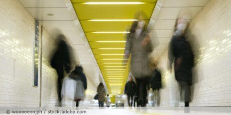 Gesichtserkennung_Atemmaske_U-Bahn_China_AdobeStock_323855450