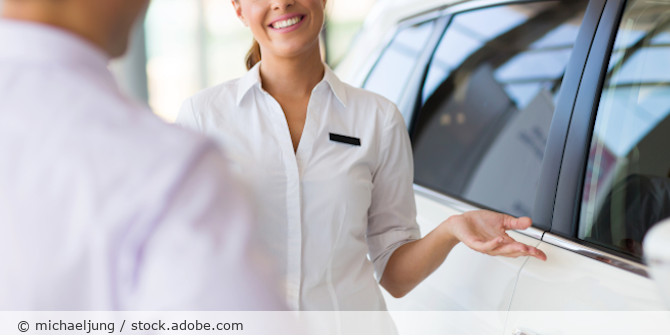 Verkauf_Namensschild_Auto_AdobeStock_79122080