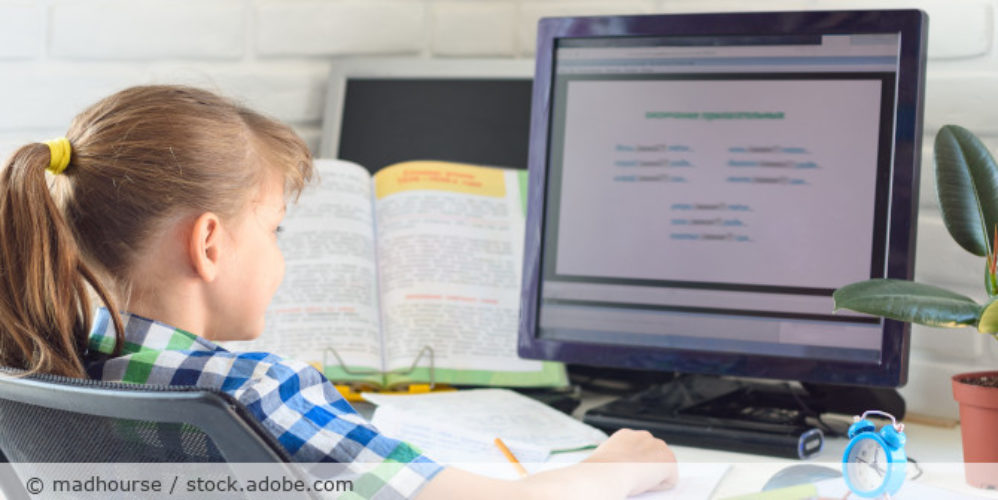 Homeschooling_Computer_Kind_AdobeStock_342854863