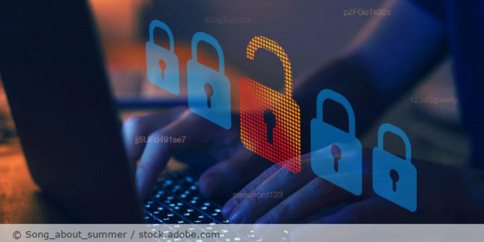 Computer_Hack_Schloss_offen_AdobeStock_379987798