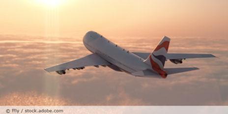 Flugzeug_Fliegen_AdobeStock_63699889