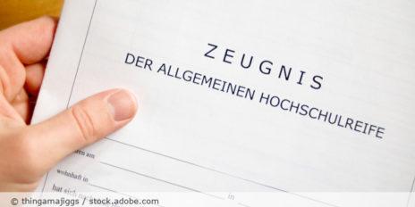 Zeugnis_Allgemeine_Hochschulreife_Abitur_AdobeStock_29375318