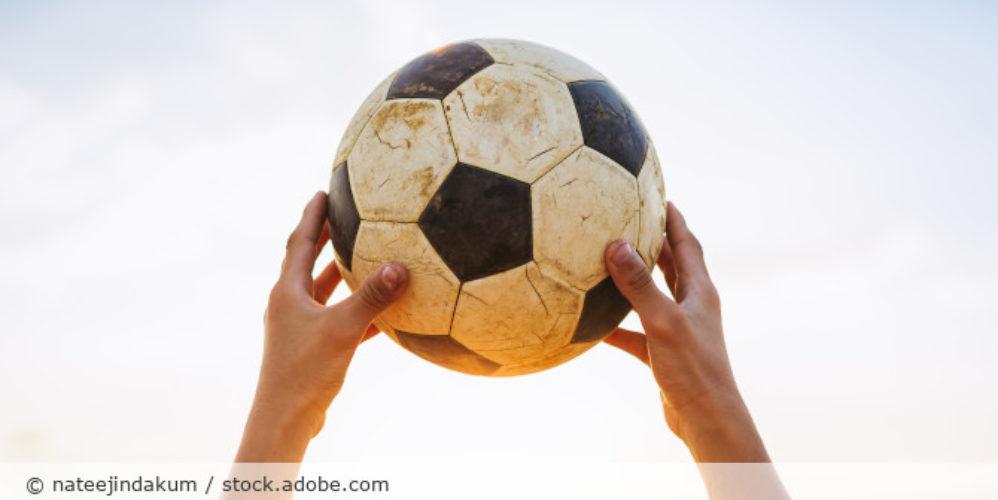 Fussball_AdobeStock_328128928