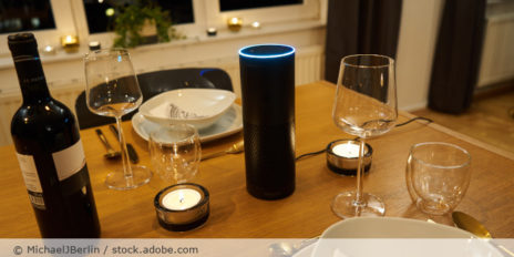 Amazon_Alexa_Smartspeaker_AdobeStock_388274245