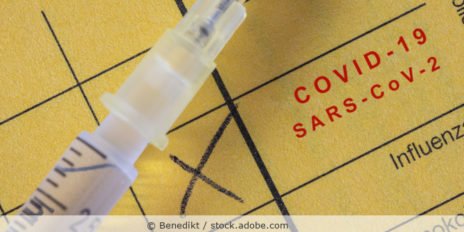 Corona_Impfung_Impfausweis_Impfpass_AdobeStock_398465924
