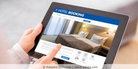 Hotel_Urlaub_Buchen_Booking_Reise_AdobeStock_132025293