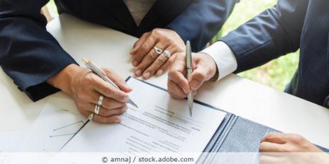 Vertrag_gemeinsam_Unterschrift_Joint_Controller_AdobeStock_404416385