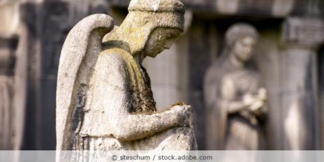 Engel_Friedhof_AdobeStock_51632261